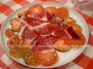 Jamón de jabugo y tomates Raf. No es mala dieta…