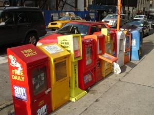 Buzones de recogida de periódicos en Manhattan