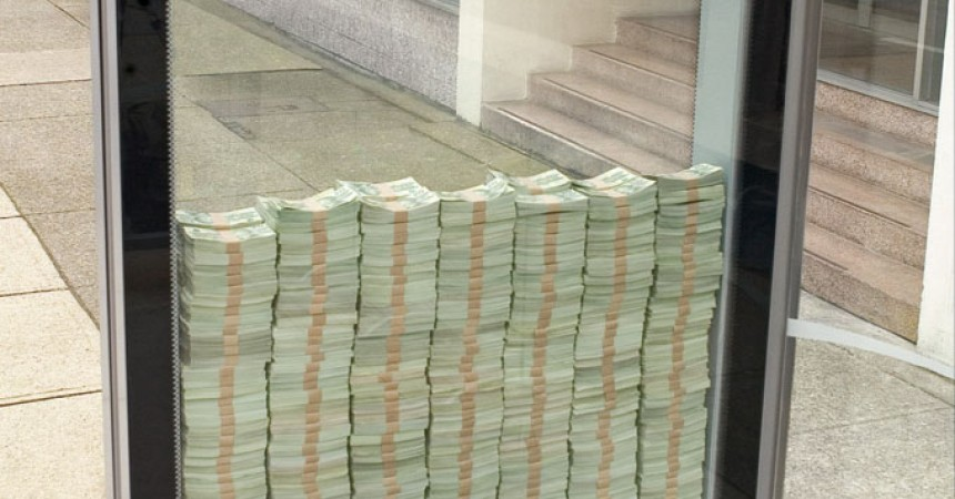 Dinero fresco en paradas de autobús
