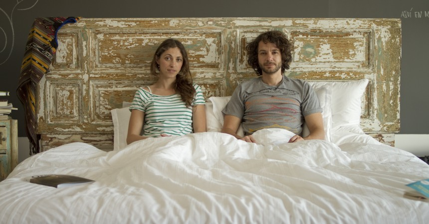 Métete despacito en la cama de Camy e Iván