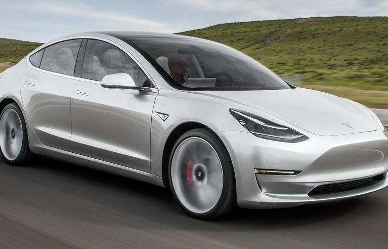 Los medios siguen buscando las cosquillas a Tesla