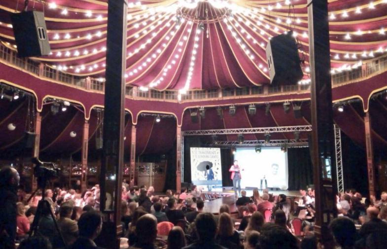 Espectáculo en Madrid sobre mi libro, Sé transparente y te lloverán clientes
